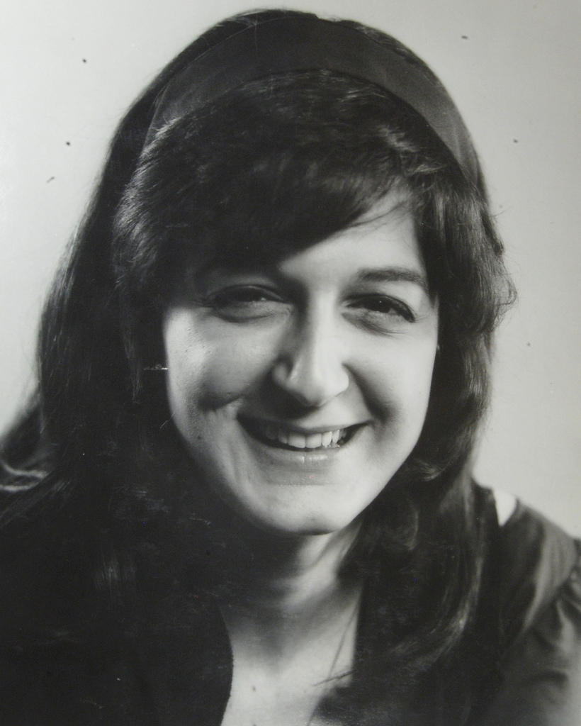 Headshot of Robyn Dundee